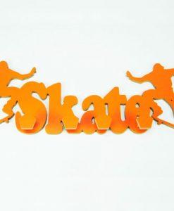 perchero con forma de skate naranja